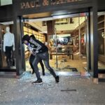 Nueva York: Quinta Avenida destrozada por protestas contra brutalidad policial (Videos)