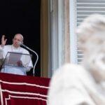 """Francisco expresa cercanía y oración """"a todos los papas"""" (VIDEO)"""