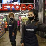 Legendaria Valetodo Downtown ahora es minimarket atendido por drag queens (Fotos)