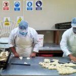 Coronavirus: Universidad de Arequipa produce más de 21,000 panes para familias vulnerables