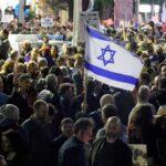 Miles de israelíes protestan contra Netanyahu por su gestión de pandemia