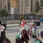 España trata de contener los brotes e indaga alta mortandad de ancianos