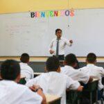 198 años: Feliz día del maestro peruano