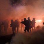 EEUU: Arde Portland en nueva jornada de protestas y disturbios
