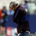 Barcelona: Pancartas y gritos contra directiva y jugadores