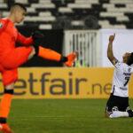 Copa Libertadores: Colo Colo remonta (2-1) ante Peñarol en el Grupo C