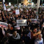 Pese al confinamiento, miles de israelíes salen a pedir dimisión de Netanyahu