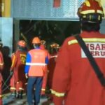 Más de 100 bomberos buscan sacar con vida a obrero atrapado desde el sábado (VIDEOS)
