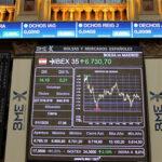 Bolsas europeas culminan la semana con ligeras alzas