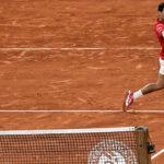 Roland Garros: Djokovic remonta y vence a Tsitsipas para medirse con Rafa Nadal