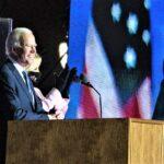Biden roza la victoria y Trump desafía escrutinio en tres estados