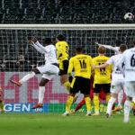 Bundesliga: Gladbach gana 4-2 y desplaza al Dortmund de puestos Champions