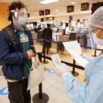 Gobierno suspende ingreso de extranjeros de Europa o Sudáfrica