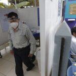 Perú: UCI tan llenas como en el peor momento de la pandemia