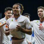 Al Hila de André Carrillo goleó 5 a 2 a Al Fateh de Christian Cueva (VIDEO)