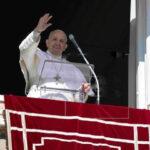 """Papa Francisco rechaza la """"Iglesia de los perfectos"""" y pide acoger a todos"""