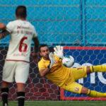 Liga 1: Universitario apenas logra igualar 1-1 con Melgar en partido irregular