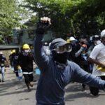 Birmania: Nueva jornada sangrienta con al menos 15 manifestantes muertos (VIDEO)