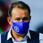 Juan Reynoso suma 11 triunfos con el Cruz Azul en México