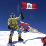 Bicentenario: Bicolor de 4,000 m² flameará en la cima del Huascarán, cerca del cielo