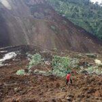 India: Unas 40 personas estarían atrapadas por un deslizamiento de tierra