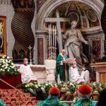 Papa propone una Iglesia próxima a la realidad en la apertura de Sínodo