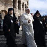 """Papa Francisco pide desactivar la """"tentación fundamentalista"""" en las religiones"""